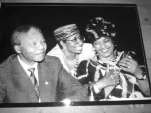 Caroline Hunter, center, with Nelson and Winnie Mandela.
