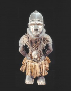 Yombe peoples, Mayombe, Lower Congo, DRC, Anthropomorphic power figure, nkisi nkondi,19th century, collection RMCA Tervuren, EO.0.0.7777.