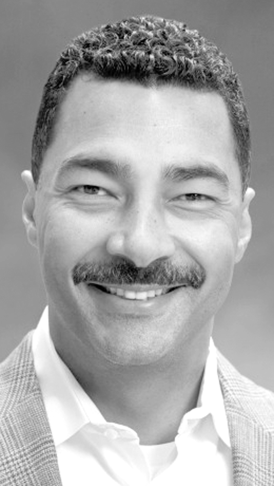 Black Executive Brett Hart Is Now Piloting United Airlines